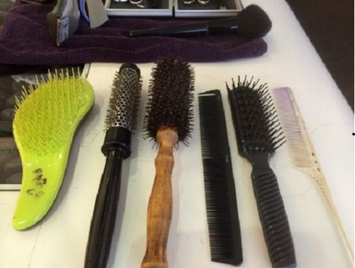 你有多久没清洗梳子 知道里藏有多少脏东西吗? - 康斯坦丁 - 科幻星系