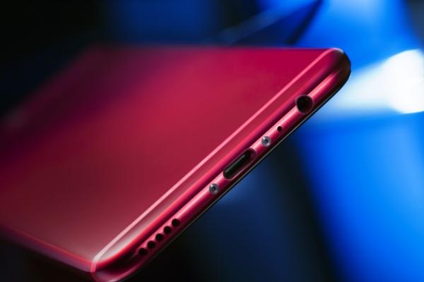 荣耀V9 红蓝大作战,给视界一点 颜色 看看
