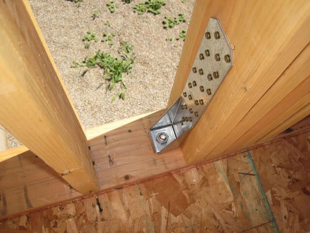 开始木结构墙体安装.