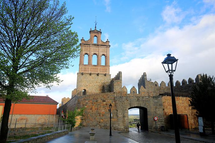 梦回中世纪,走近那座属于圣女的传奇小城图片