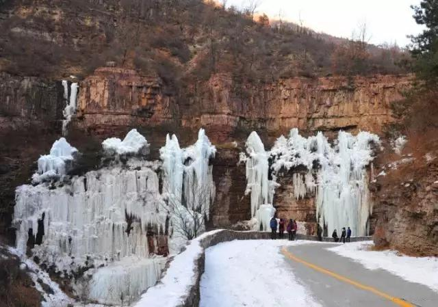 河南林州:桃花谷的冬天——冰雪中的童话世界图片