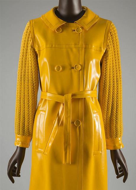 伊夫·圣罗兰左岸系列雨衣(1966年)图片