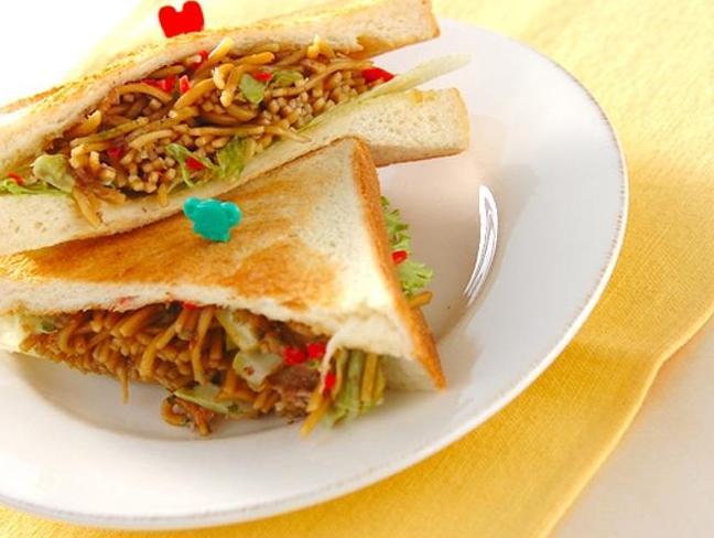 美国自创美式中餐惊呆了中国游客,这还是中餐吗?
