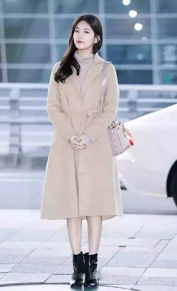 王妃们都深谙的优雅穿衣经--系带大衣腰间的慵懒与高贵