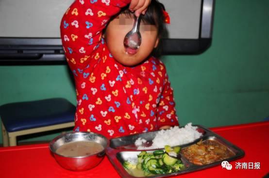 只需8元,你能请这里的残障儿童吃一顿午餐吗?