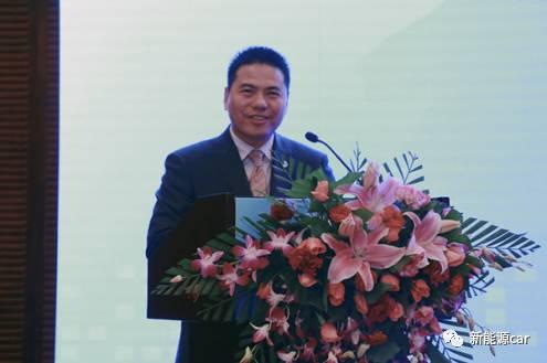 远东控股集团创始人,董事局主席,党委书记蒋锡培在签约仪式上发言