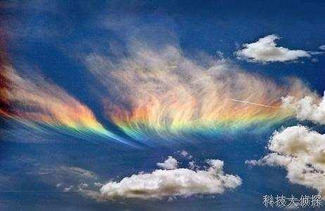 火彩虹现身新加坡 源自太阳和云层的罕见交汇