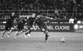 AC米兰小胜萨索洛罗马击败国米(图)