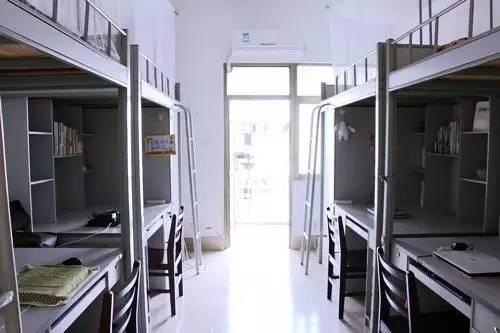 2月27日14时20分,广西大学保卫处接到报警称,西校园某学生宿舍一房门图片