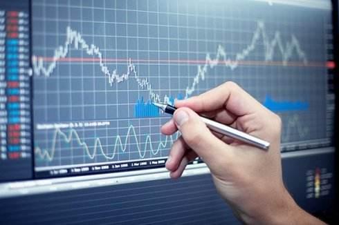 原油周四盘中适度下挫 假期市场中EIA报告利空因素开始显现