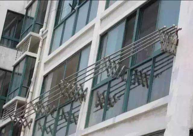 原来阳台可以这样晾衣服,太实用了