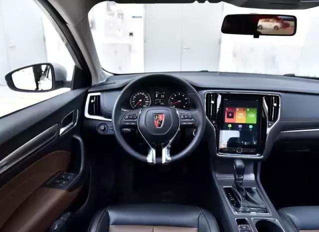 98万元的最低配真皮以外,荣威i6其余时速均配备车型多功方向盘和帝豪gs车型能跑180图片