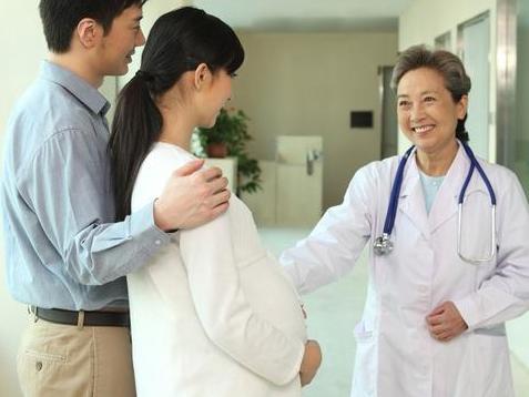 十月怀胎的孕妇更需要伴侣的照顾