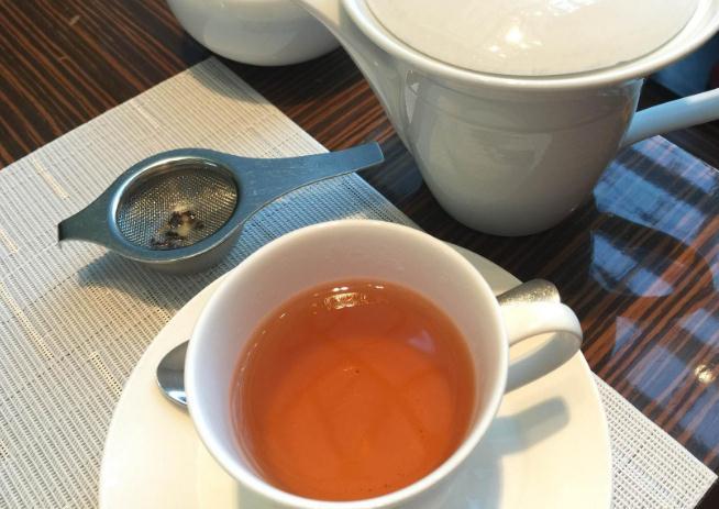 喝红茶对皮肤有好处吗图片