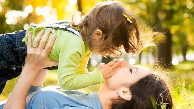 今天你不让孩子吃苦,将来这个世界会让他很苦!