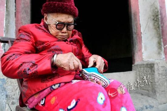 岁老人中最后的小脚女人 与丈夫相爱81年未分开1天 组图