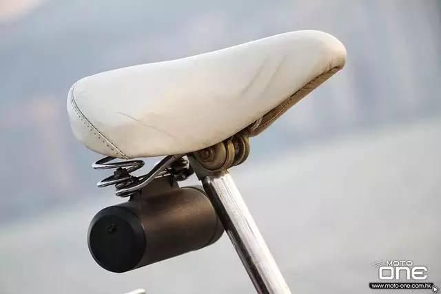 本田混动摩托车 百公里油耗1升