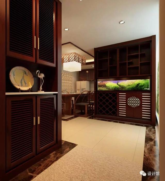 ②鱼缸与柜子一体; ③鱼缸摆在鞋柜上; 每个户型家庭适合不同的鱼缸图片