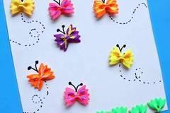 春天利用蝴蝶面制作漂亮蝴蝶贴画