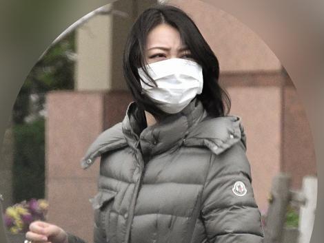 小川彩佳戴巨大戒指疑似订婚同事澄清:后辈礼物