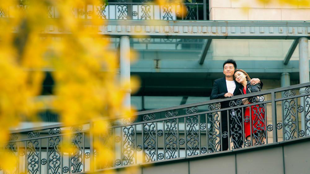 《国民大生活》杀青郑恺袁姗姗演绎浪漫都市情缘