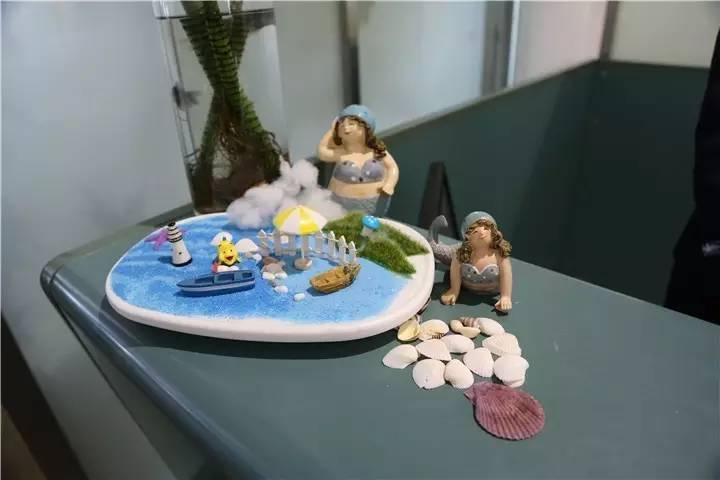 欢乐海洋粘贴画-女职工们,节日快乐,愿你们像花儿一样