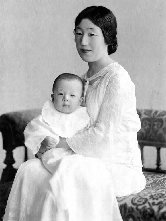 不生儿子,会给丈夫带来多少麻烦 日本皇后告诉你图片