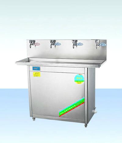整机的外结构及内部储水容器均采用优质不锈钢材料制成,因此即耐腐蚀