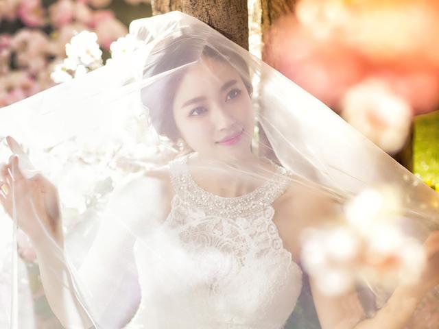 2017最新婚纱照风格图片