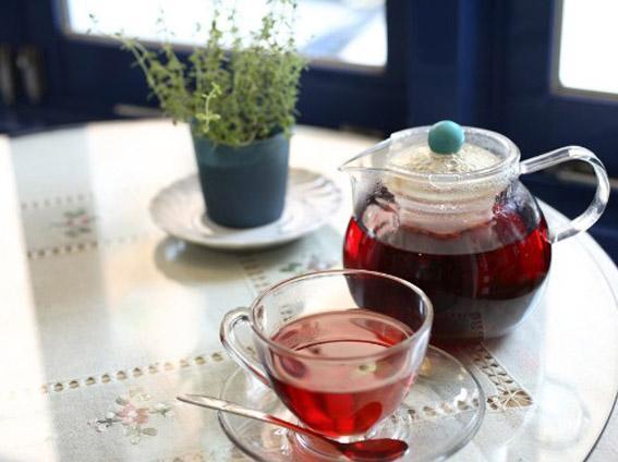 为何红茶的英文翻译是 Black tea ?