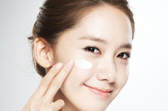 【图】眼霜的正确使用顺序涂擦眼霜的正确手方法