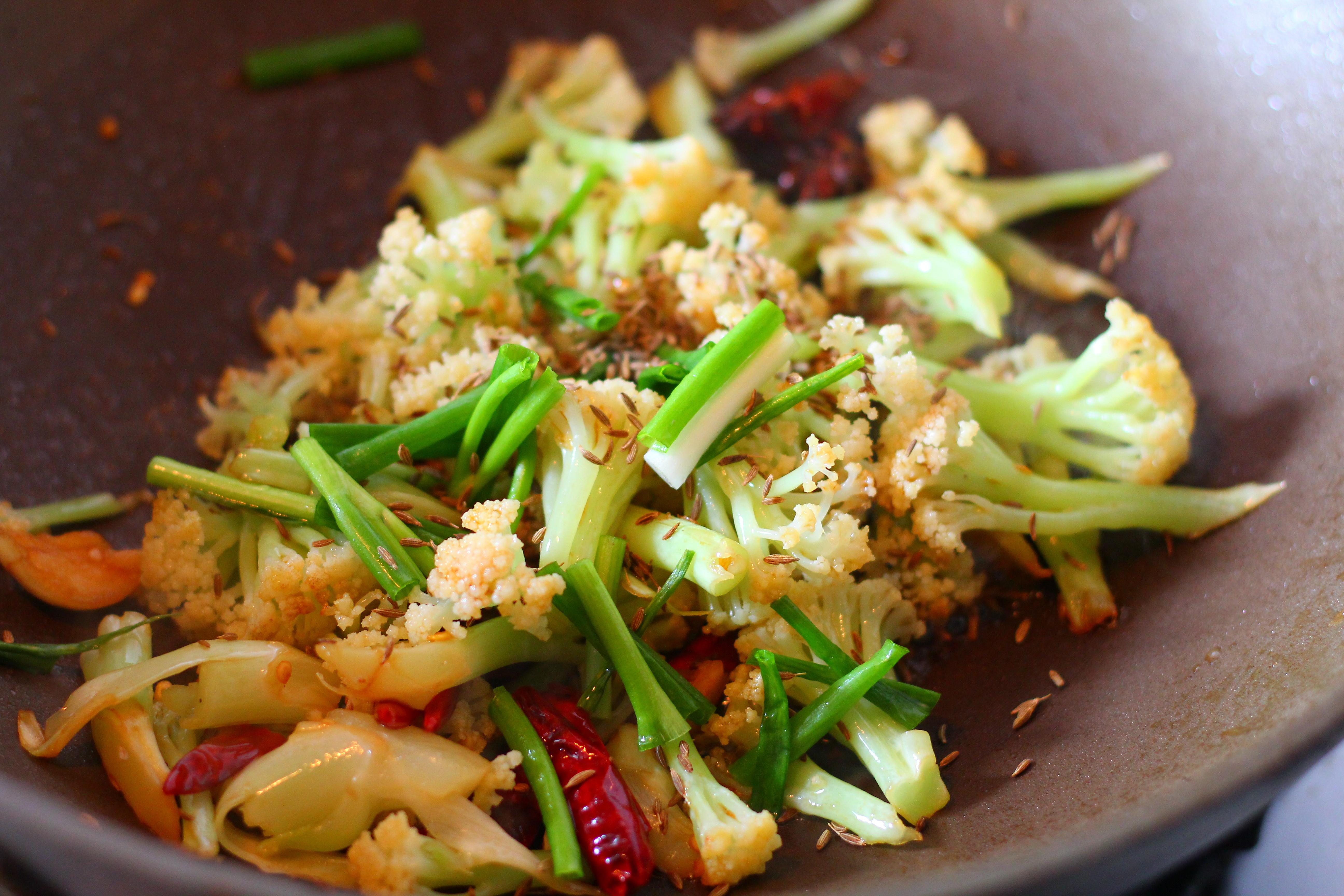 教你做比肉更好吃的花菜做法,做出大厨风味