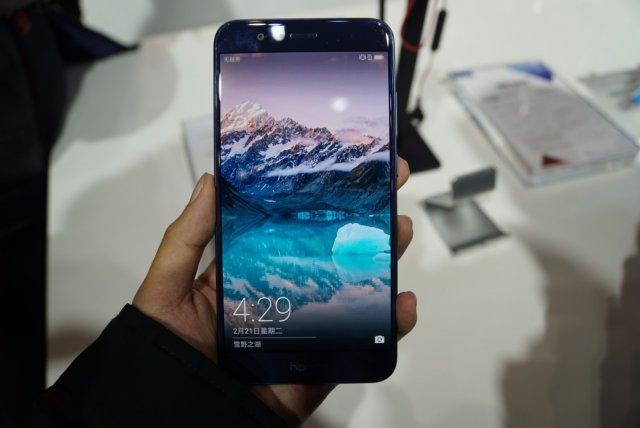 内存最大的两款华为荣耀手机,一款为6.6英寸屏幕