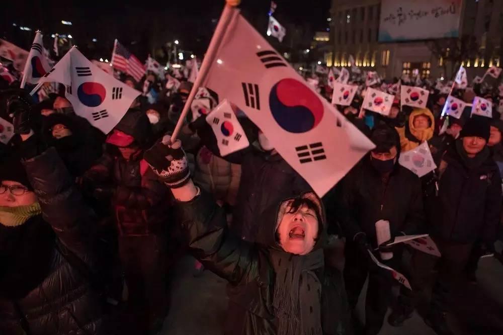 """再见朴槿惠,韩国下任总统面临这些""""烂摊子""""…"""