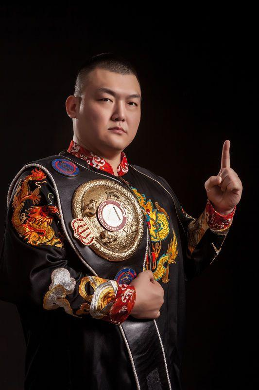 重量级巨人有望对决,中国泰森张君龙 打好每一战