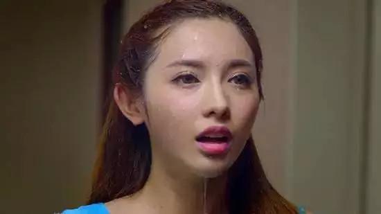 但万万没想到《老九门》里的大土司也是彭小冉,这个变脸真的比翻书还图片