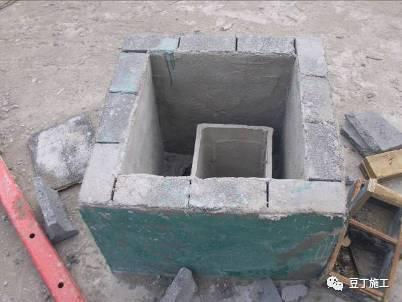 屋面烟道采用非砼结构,易导致系统性渗漏隐患.