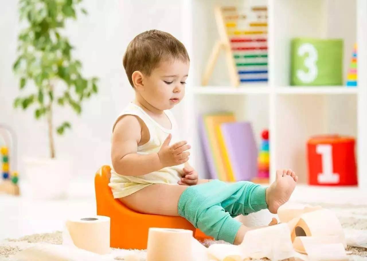 英国天价 如厕训练师 生意火爆 她这样教宝宝放飞自我上厕所