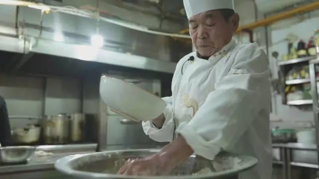 一碗不以老汤取胜的烩面,照样有吃货追捧了二十多年