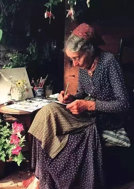 """92岁的她,却一直生活在童话故事里"""""""