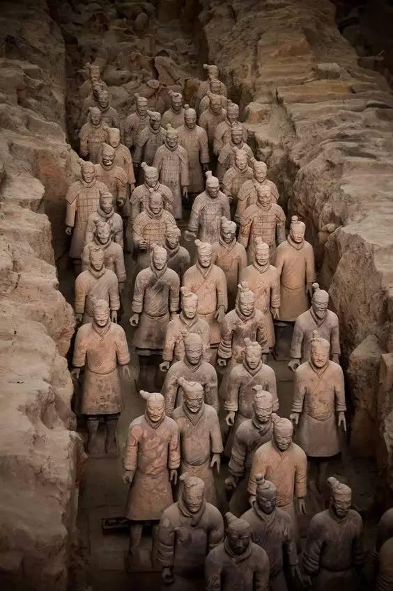 旅游方面的论文:丽江旅游被打毁容 乱象背后:3官员受处分(组图)