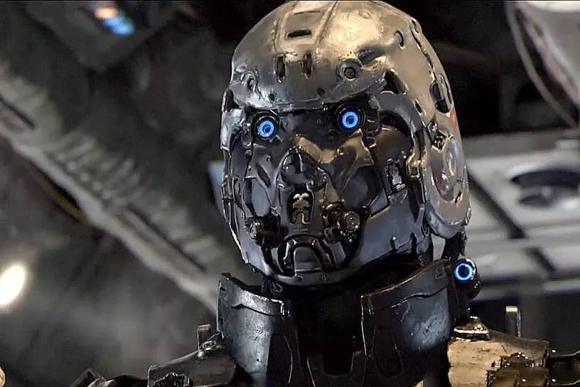 明日战记_潮来潮趣 | 《明日战记》耗资3亿,这部港产科幻片帅出