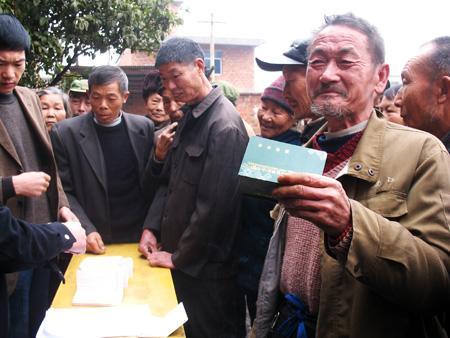 中国养老体系需要进一步完善:六十岁能领一千多元
