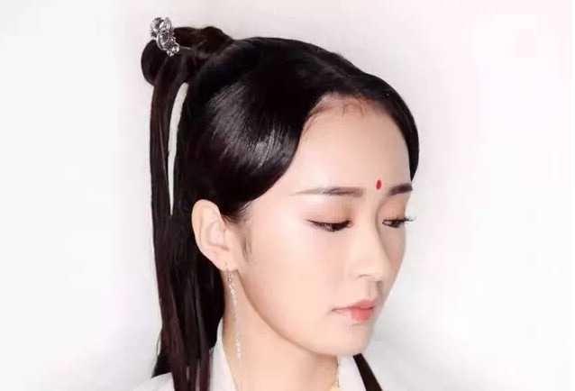 第七步:这是发型弄好了的模样,你们觉得像白浅吗?图片