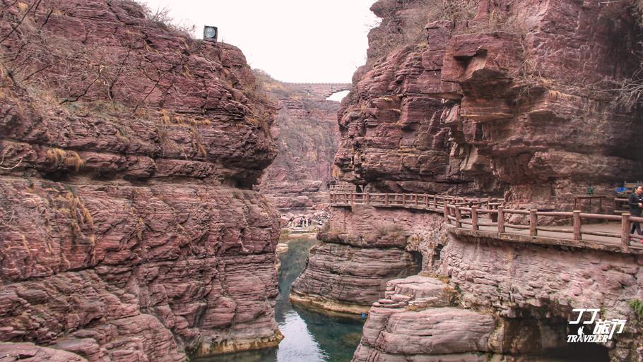 红石峡岩石的痕迹,诉说着从前的岁月