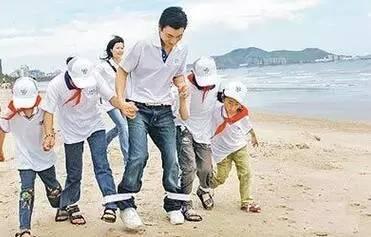 在孩子上初中的阶段,应尽量保持 这个年龄段的孩子正值发育期,图片
