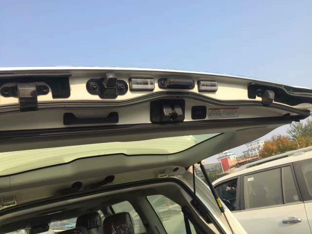 17款丰田兰德酷路泽5700中东版GXR报价配置现车手续齐