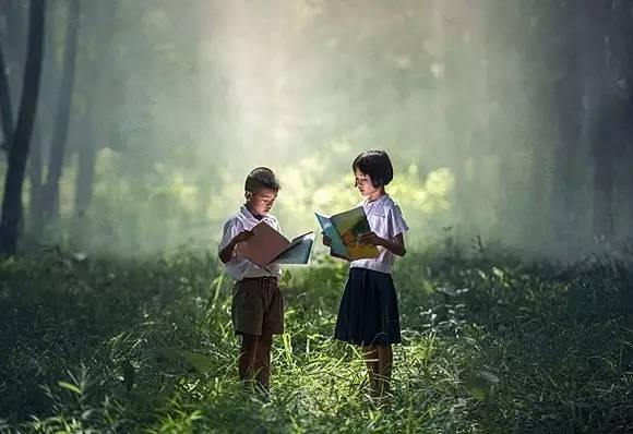 """董卿《朗读者》告诉我们:孩子大声朗读的十大好处"""""""