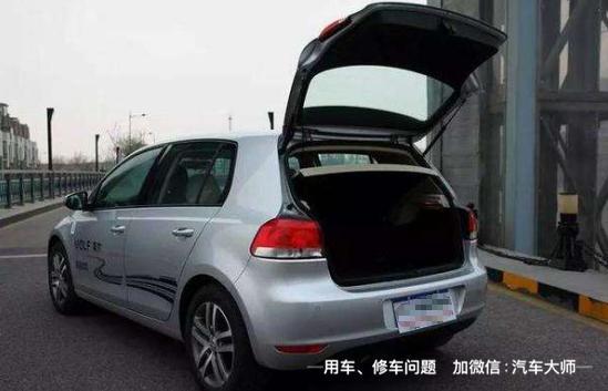 三厢车受结构所致无法安装后雨刮器