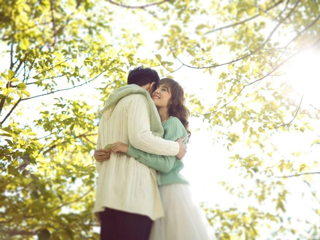 """离婚也许是种解脱,幸福的恋爱正向你姗姗走来"""""""